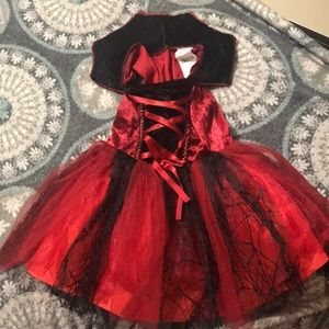 Costume 2-4 shoes 6t